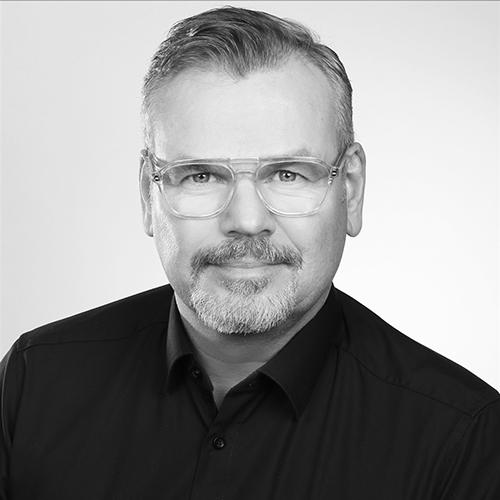 Dipl. Ing. und Geschäftsführer Tim Becker